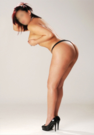 Camilla – Super Busty Brazilian Escort