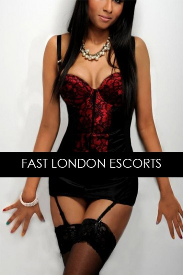 Yasmine – Busty Asian Escort