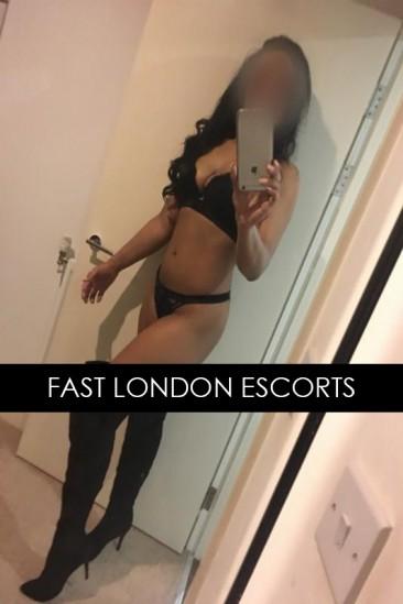 Nataliee – Sexy Mixed Race Escort