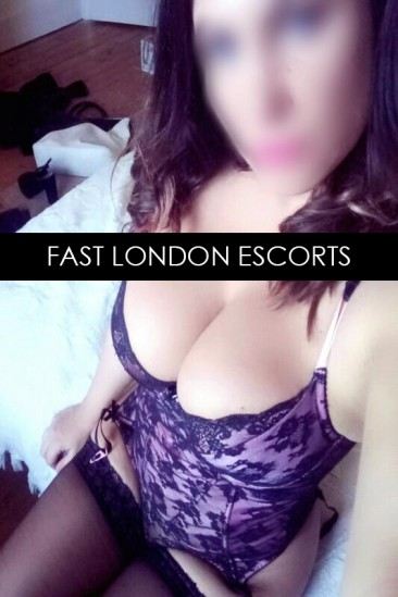 Izabella – Super Busty English Escort