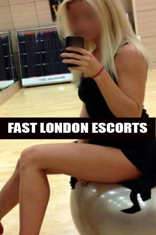 Jessie – Busty Petite GFE Blonde English Escort